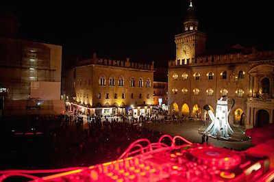 Dallalto 2014 - Peter Hook @ Piazza Maggiore Bologna - francesca sara- cauli-16 low