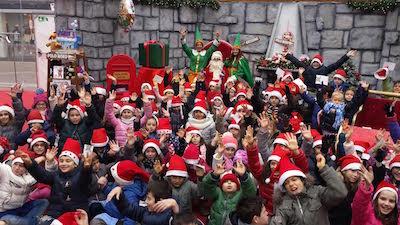 Riccione Christmas Village Babbo Natale con bimbi