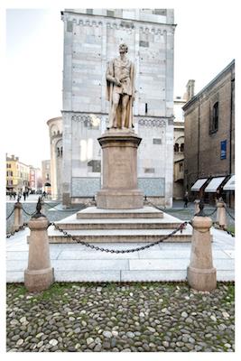 monumento tassoni del cavazza