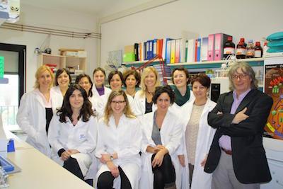Il prof. Gambari e il suo gruppo di ricerca