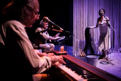 Amore ai tempi del colera domenica 17 gennaio ore 21 – Teatro Novelli