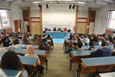 Rimini gli studenti danno i voti alla gravità dei comportamenti illegali