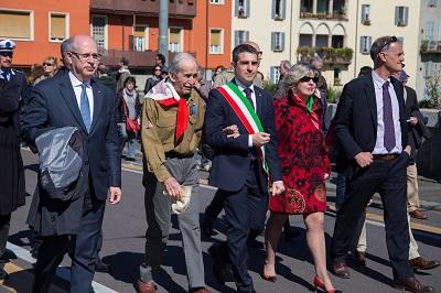 2016 04 25 Pizzarotti Festa della Liberazione parata