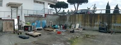 rimossi quattro veicoli abbandonati in un parcheggio tra via Costantinopoli e via San Gallo