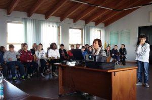 Gli studenti villaminozzesi in consiglio comunale illustrano la loro ricerca sulla raccolta differenziata
