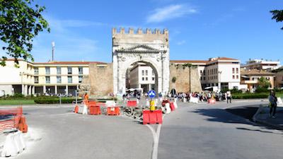 rotatoria arco Rimini