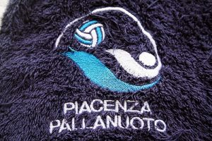 La squadra di pallanuoto Everest Piacenza in Municipio