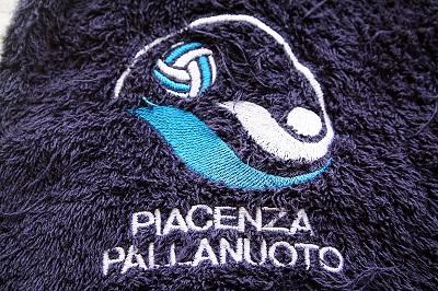La squadra di pallanuoto Everest Piacenza in Municipio