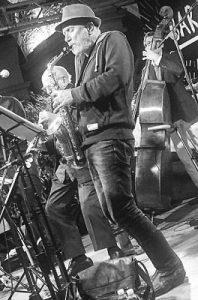 quartetto-swingin-kisses-per-un-fiume-di-musica