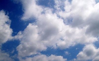 tempo estivo poco nuvoloso