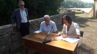 Firma documento d'intento