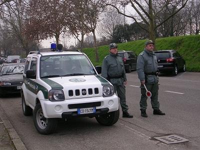 polizia provinciale di Ferrara su strada