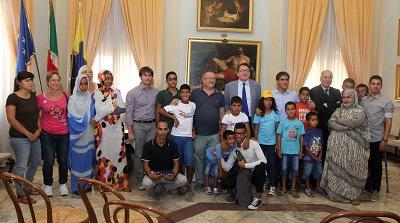 saharawi-gruppo, incontro in municipioa Modena