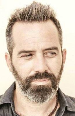Lo psichiatra e cantautore Gaspare Palmieri