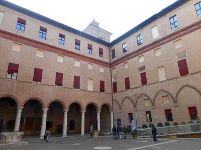 corte-interna_castello-estense
