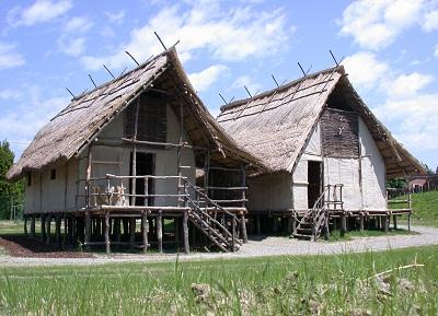 il-parco-di-montale-ricostruzioni-capanne-palafitte