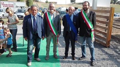 Inaugurazione - Da six On. Romanini, sindaco Lesignano, sindaco di Monchio e sindaco di Gaiole in Chianti
