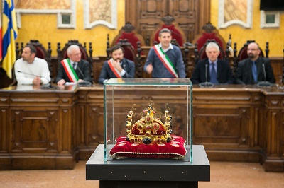 2016-10-24-pizzarotti-corona-di-san-venceslao-1