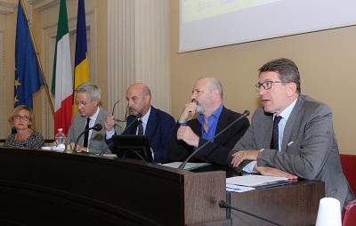 Il sindaco Muzzarelli, il presidente della Regione Bonaccini, il direttore generale Ausl Annicchiarico, il senatore Stefano Vaccari, la presidente di Città Sane Simona Arletti