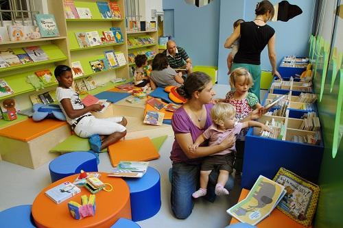 pag-9-apertura-biblioteca-delfini-sala-bebe