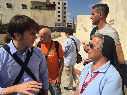 assessore giulio guerzoni con suor donatella lessio a betlemme 2016