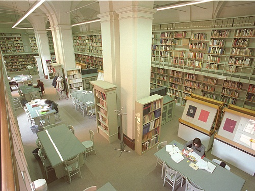 biblioteca poletti interno