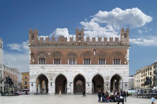 Palazzo Gotico_1_500