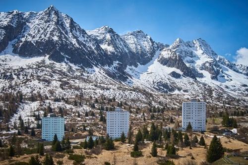 Skyscrapers-and-Mountains-Simone-Pioli-LR