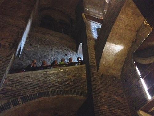 ghirlandina visita teatralizzata pubblico e scale