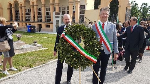 Bonaccini inaugura cimitero di Concordiac