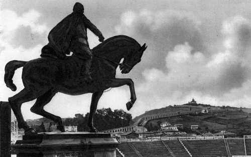 Graziosi Il monumento a Mussolini al Littoriale di Bologna