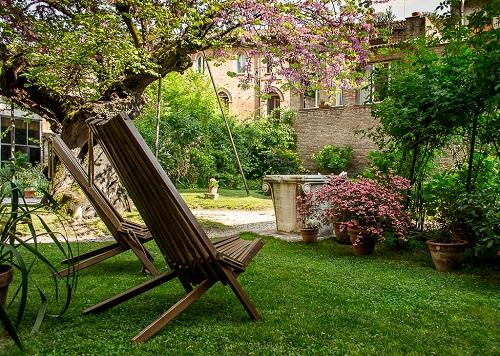 Interno Verde Apre I Giardini Segreti Di Ferrara