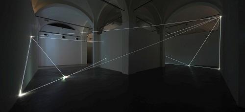 Carlo Bernardini- Oltrelimite- 2017- fibra ottica. Carlo Bernardini- Oltrelimite- 2017- fibra ottica. Foto Roberto Marossi -8