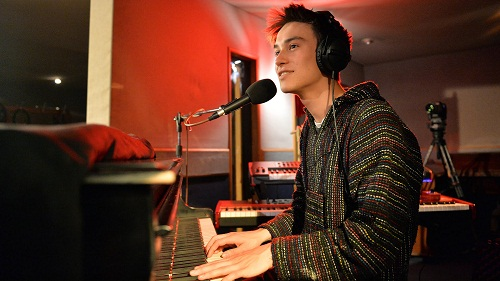 Jacob Collier (6)