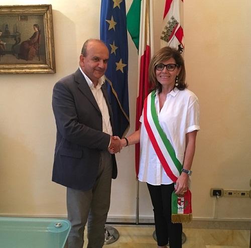 Oggi a Palazzo Mercanti il passaggio di consegne tra Paolo Dosi e il neo sindaco Patrizia Barbieri. Ufficializzata la composizione del Consiglio