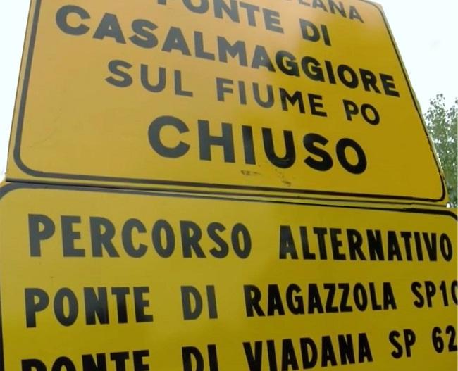 Foto_Ponte_po_chiuso_ott_17_cartelli