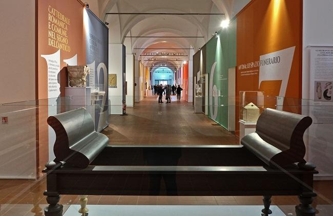 mutina splendidissima corridoio centrale della mostra