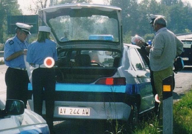 polizia municipale controllo auto