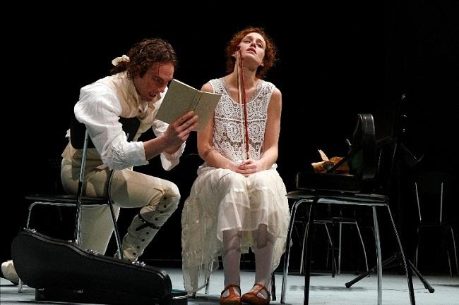 Intrigo e amore-Simone Toni, Alice Arcuri-Foto Caroli mailing