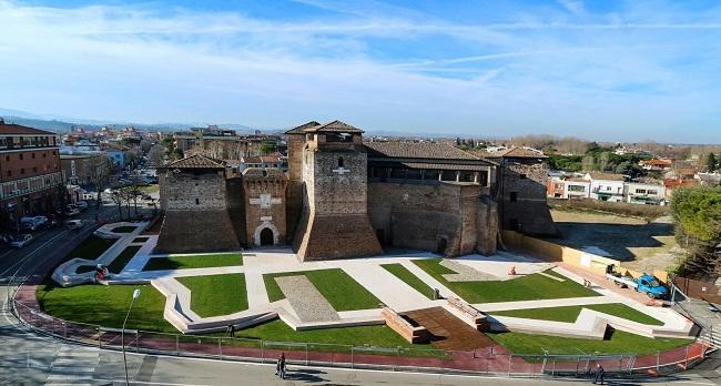 castel_sismondo_-_corte_mare_img_1004_1-2_0_preview