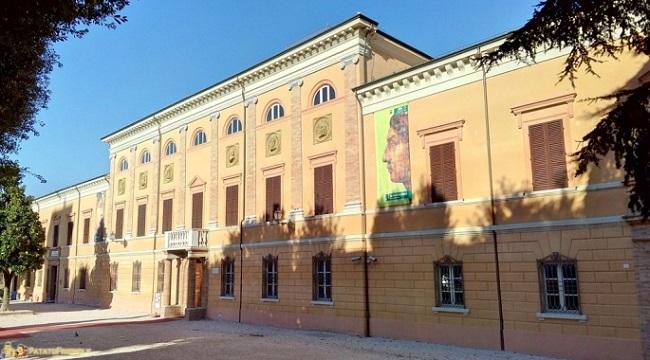 "Cesena: Roberta Ioli alla Biblioteca Malatestiana con ""Il felice inganno"""