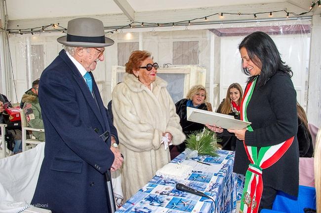 Matrimonio Spiaggia Rimini : Rinnovo della promessa di matrimonio in riva al mare per